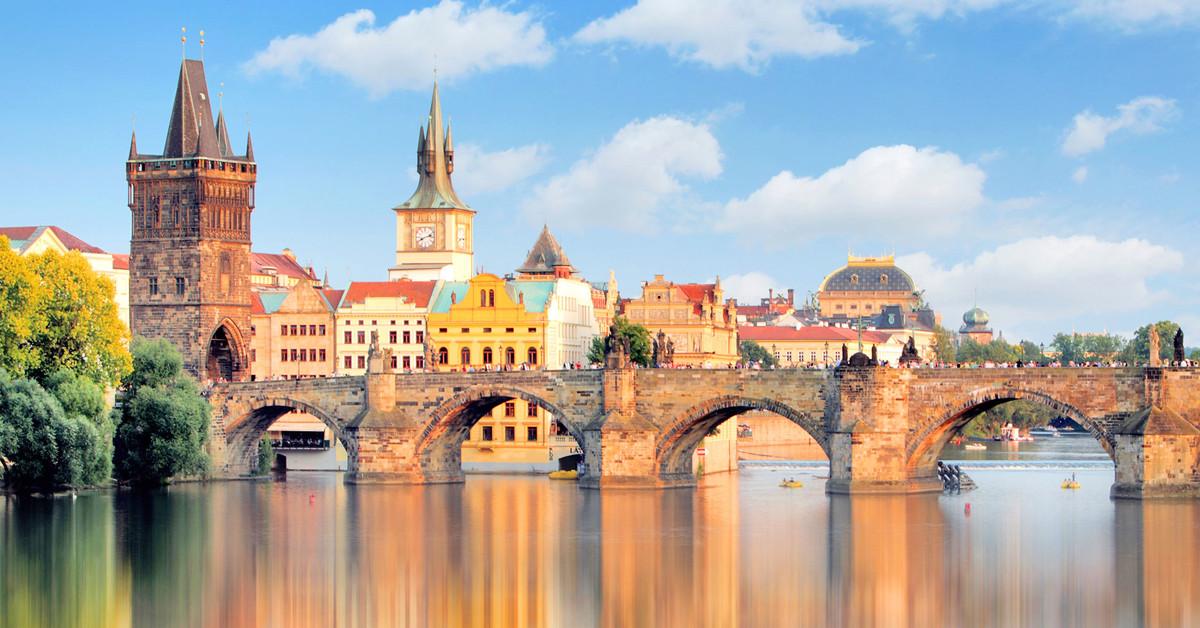 PRAGUE / BRATISLAVA /VIENNE