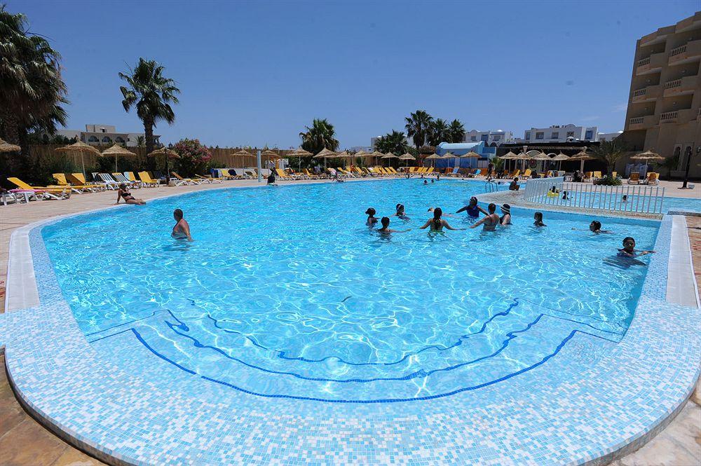 Houda Yasmine Hammamet  ( Hotel familial, n'accepte pas les réservation des jeunes célibataires), Hammamet