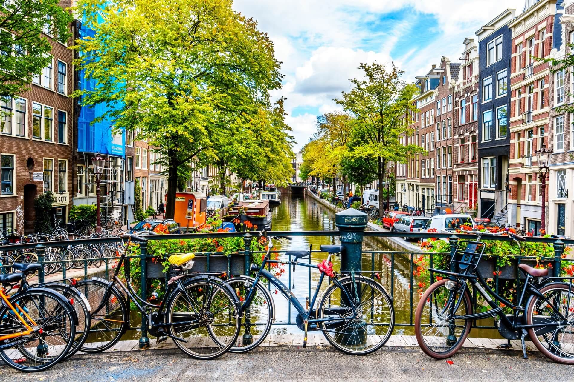 PARIS / BRUXELLES /AMSTERDAM