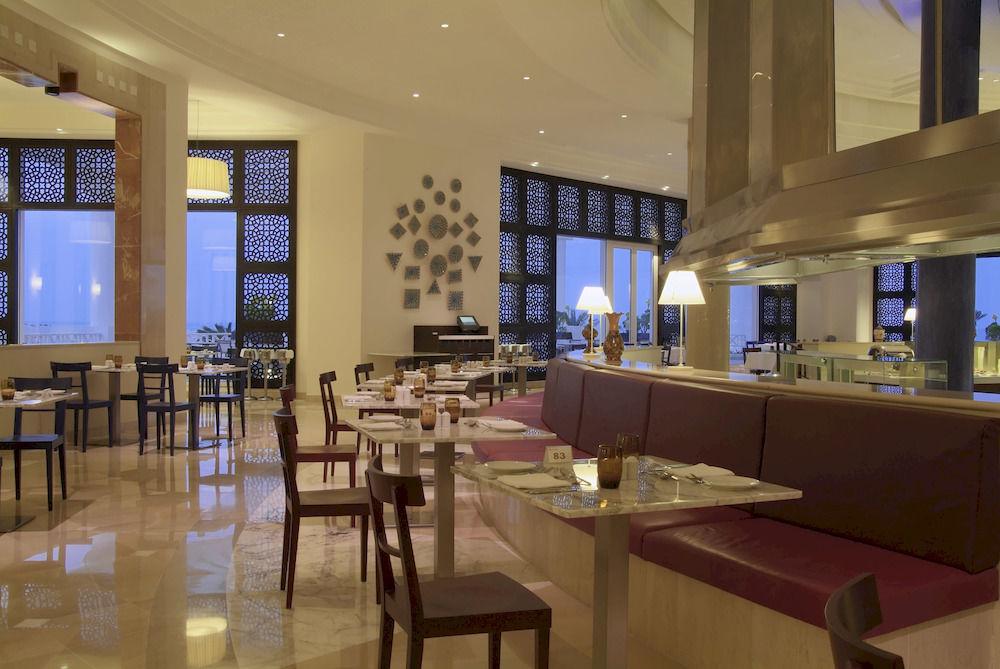 Radisson Blu Palace Resort & Thalasso, D