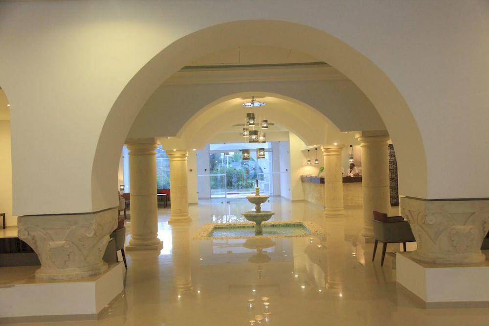 Menara, Yasmin Hammamet