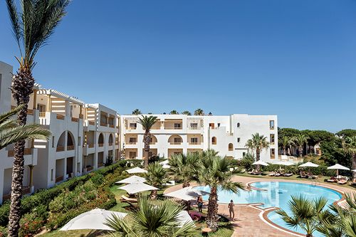 https://prod.bravebooking.net/clients/SV76920/media/photos/hotellocal/696304/Delfino_Beach_Resort_Spa__1.jpg