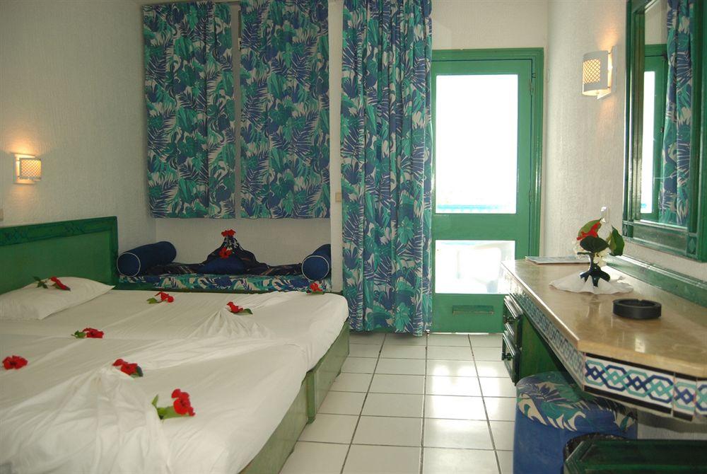 http://prod.bravebooking.net/clients/TT69312/media/photos/hotellocal/325764/Le_Khalife_1.jpg