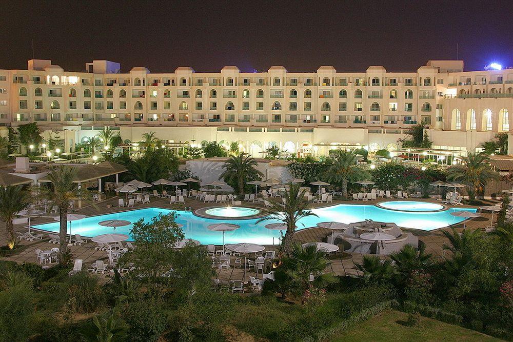http://prod.bravebooking.net/clients/VV80125/media/photos/hotellocal/216736/El_Mouradi_Hammamet_15.jpg