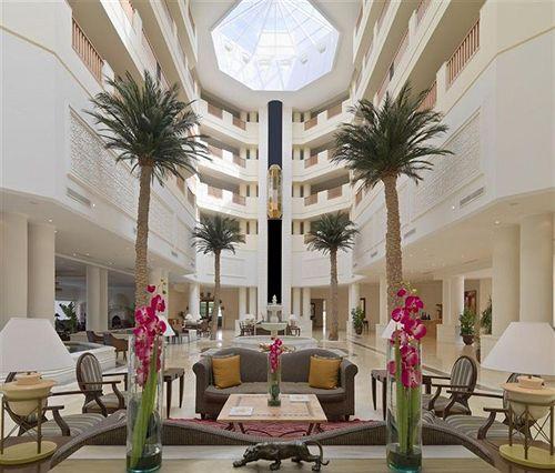 http://prod.bravebooking.net/clients/VV80125/media/photos/hotellocal/235146/Saphir_Palace_Spa_1.jpg