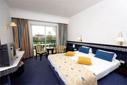 http://prod.bravebooking.net/clients/VV80125/media/photos/hotellocal/236815/Marhaba_Beach_9.jpg