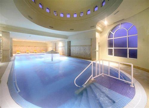 http://prod.bravebooking.net/clients/VV80125/media/photos/hotellocal/236829/Carthage_Thalasso_Resort_1.jpg