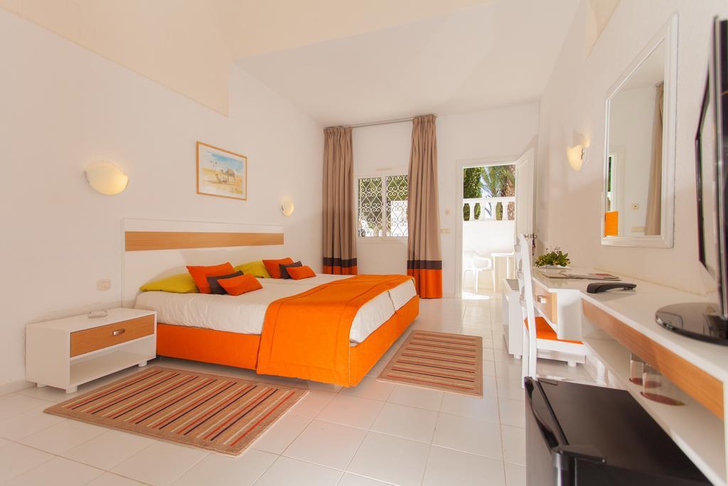 http://prod.bravebooking.net/clients/VV80125/media/photos/hotellocal/254304/El_Mouradi_Club_El_Kantaoui_80.jpg