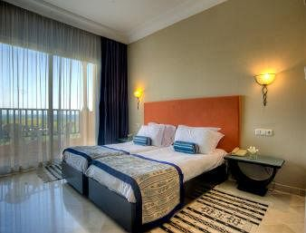 http://prod.bravebooking.net/clients/VV80125/media/photos/hotellocal/263318/Ramada_Plaza_Tunis_1.jpg