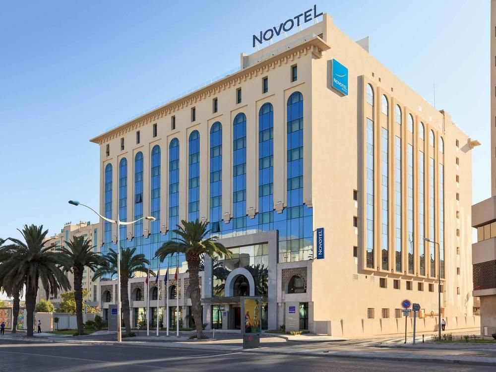 http://prod.bravebooking.net/clients/VV80125/media/photos/hotellocal/396679/Novotel_Tunis_8.jpg